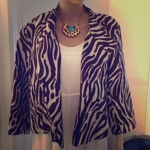 Animal print, crossover to button, linen jacket